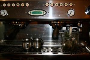 Modern_espresso_machine_1200w